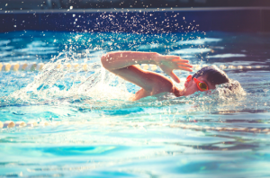 Benefits of learning to swim at a young age